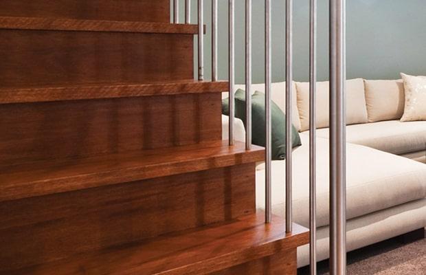Gỗ ốp bậc cầu thang cho vẻ đẹp sang trọng, đẳng cấp với nhiều tính năng linh hoạt